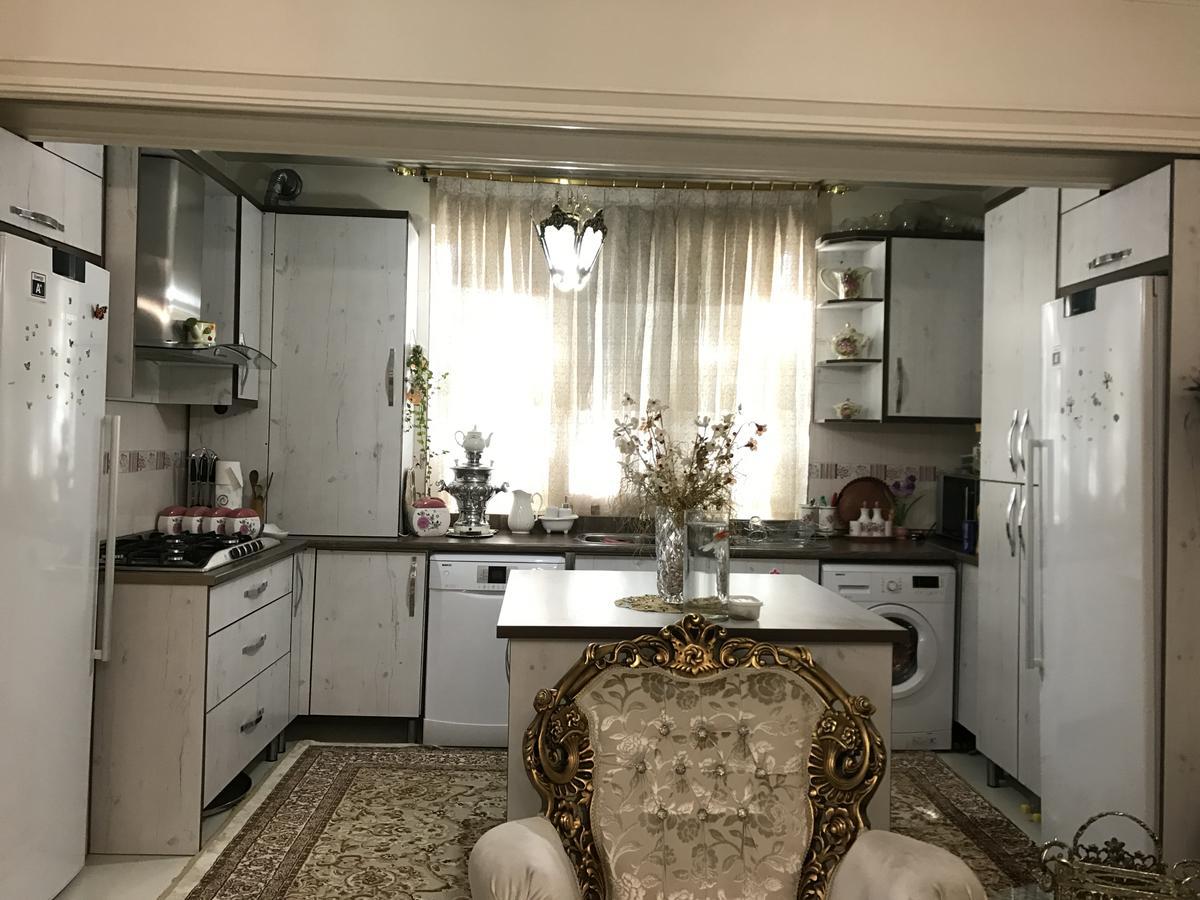رهن و اجاره آپارتمان مبله در تهران YT3300 | ارازن جا